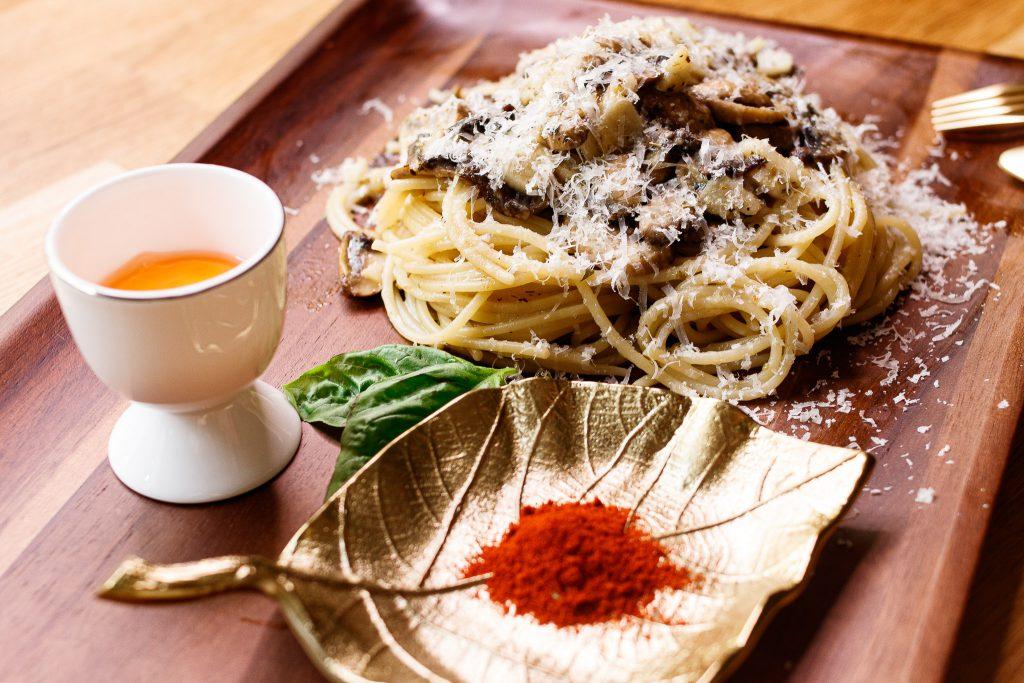 蒜香蘑菇義大利麵 Spaghetti with Garlic, Mushrooms